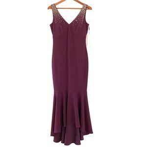 NWT Calvin Klein Size 4 Embellished V-Neck Gown